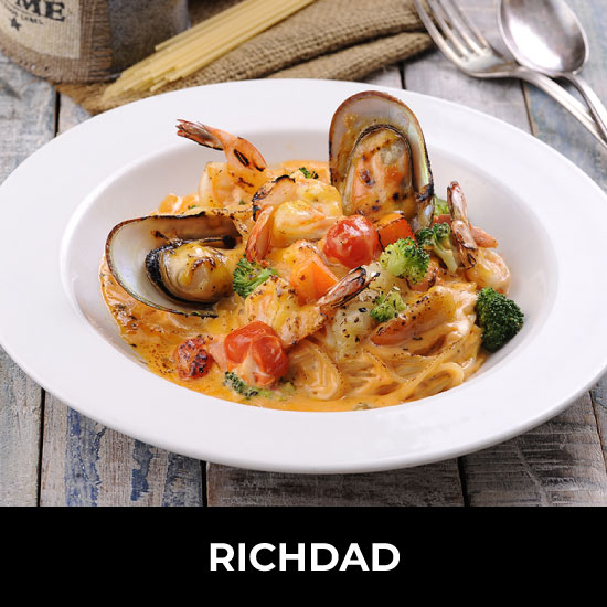 Rich in flavour, style and friendly service, Richdad brings you the best of the world's breakfast and deli foods. Choose from a scrumptious range of sandwiches, pastries, pastas and local flavours. Relax with a refreshing glass of one of our healthy mixed-juice concoctions. Location: LEVEL 5